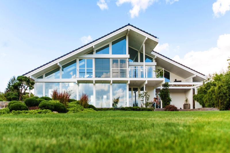 Super Die Materialien Holz / Glas beim Hausbau - CONCENTUS Modernes OG76