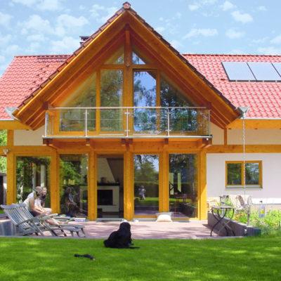 concentus modernes fachwerkhaus Modernes Landhaus mit rotem Ziegeldach