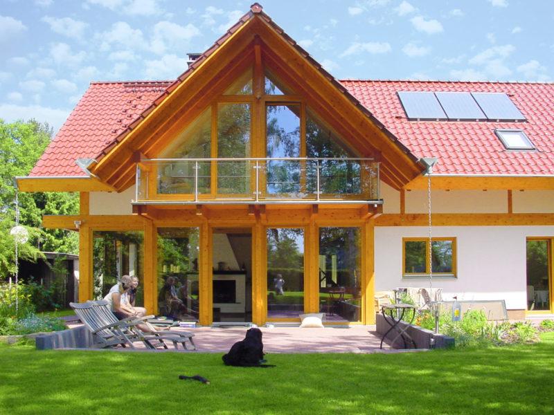 Concentus Fachwerk Holzskeletthaus Rotes Dach Hell Braun