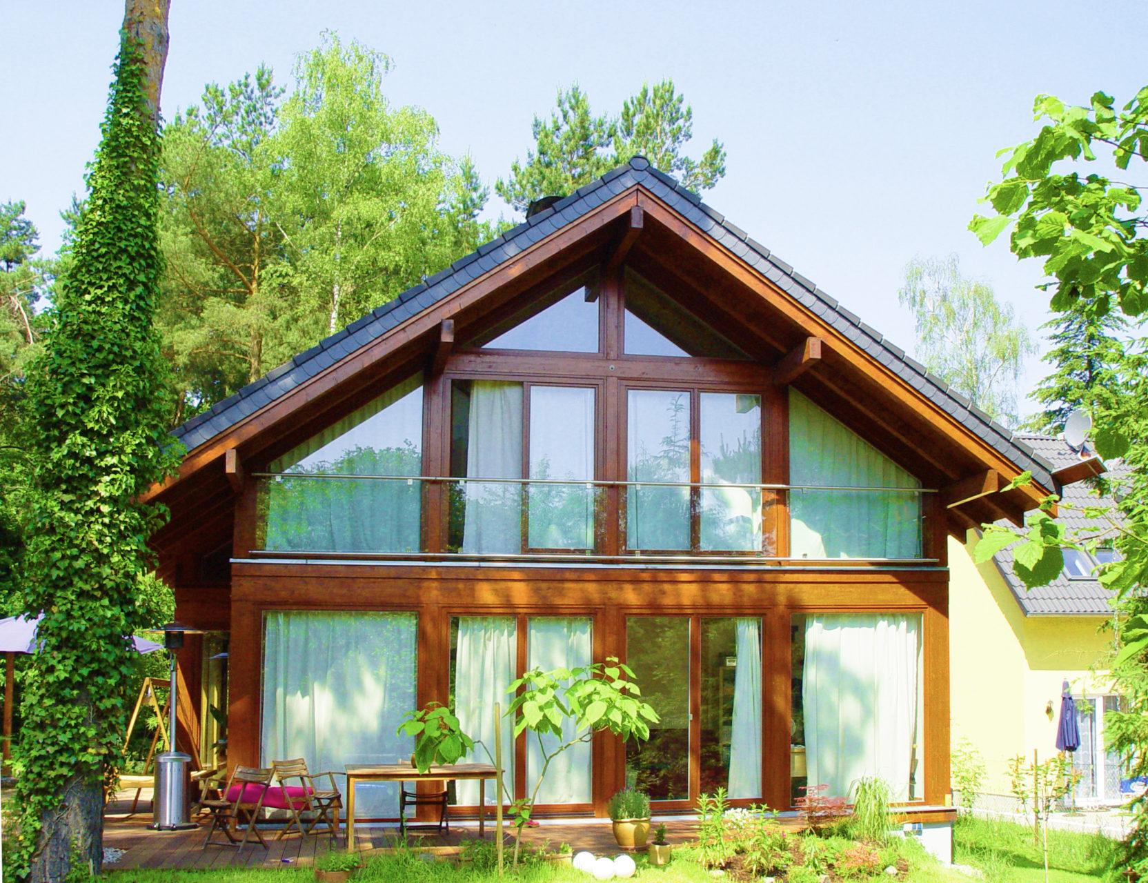 ein landhaus mit viel charme in der natur concentus modernes fachwerkhaus. Black Bedroom Furniture Sets. Home Design Ideas