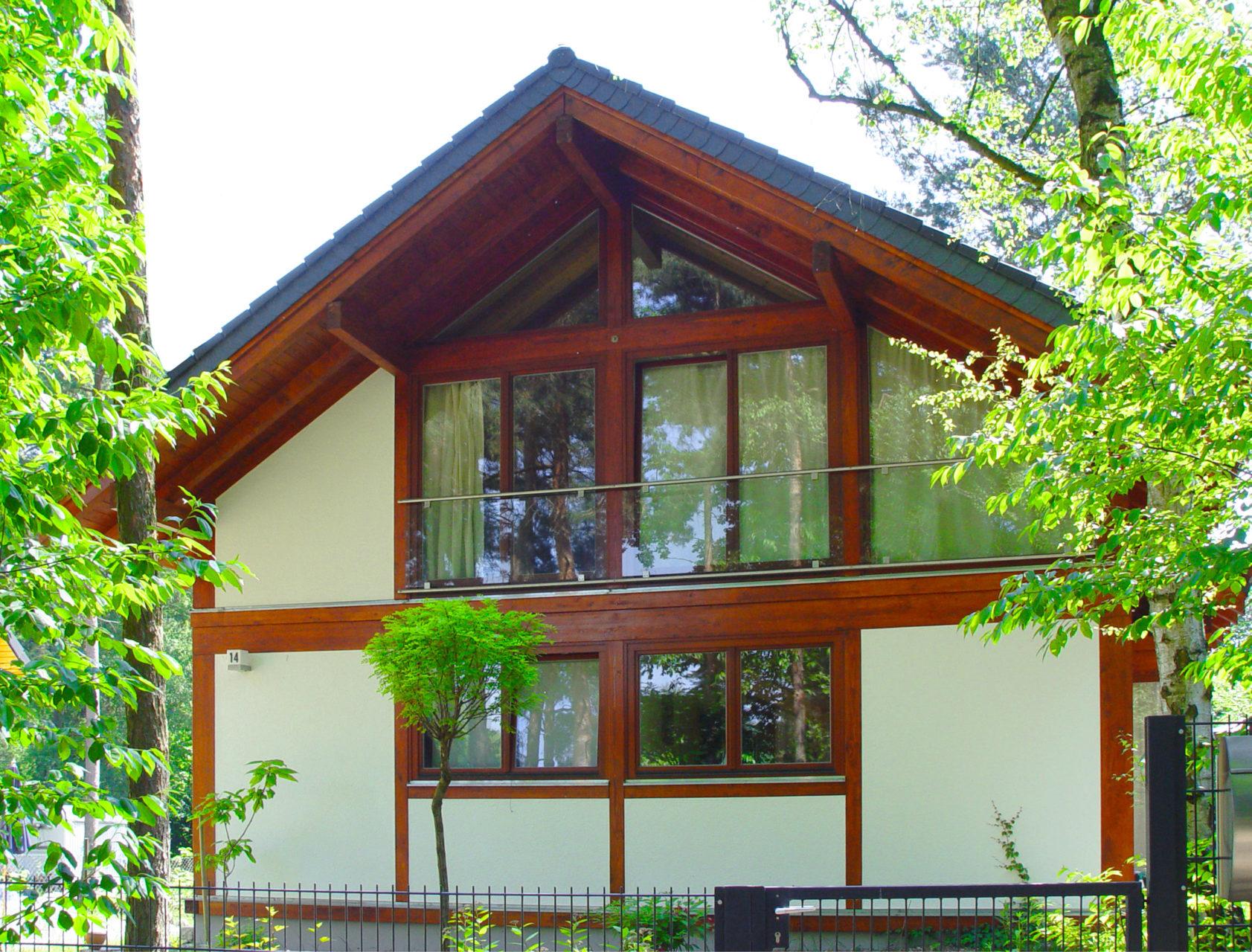 Concentus Holzskeletthaus Fachwerk Dunkel Braun