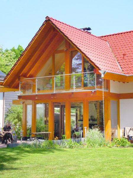 Concentus Modernes Fachwerk Holzskelett Haus Rotes Dach Hell Braun