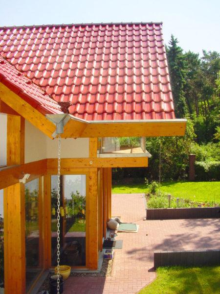 Concentus Modernes Fachwerk Holzskelettbau Rotes Dach Hell Braun