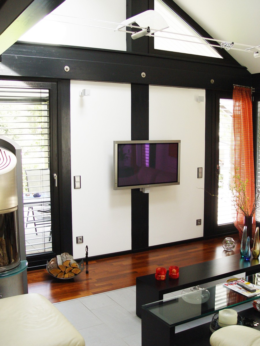 fachwerkhaus dunkle konstruktion holz skelett haus landhaus 13 concentus moderne fachwerkh user. Black Bedroom Furniture Sets. Home Design Ideas