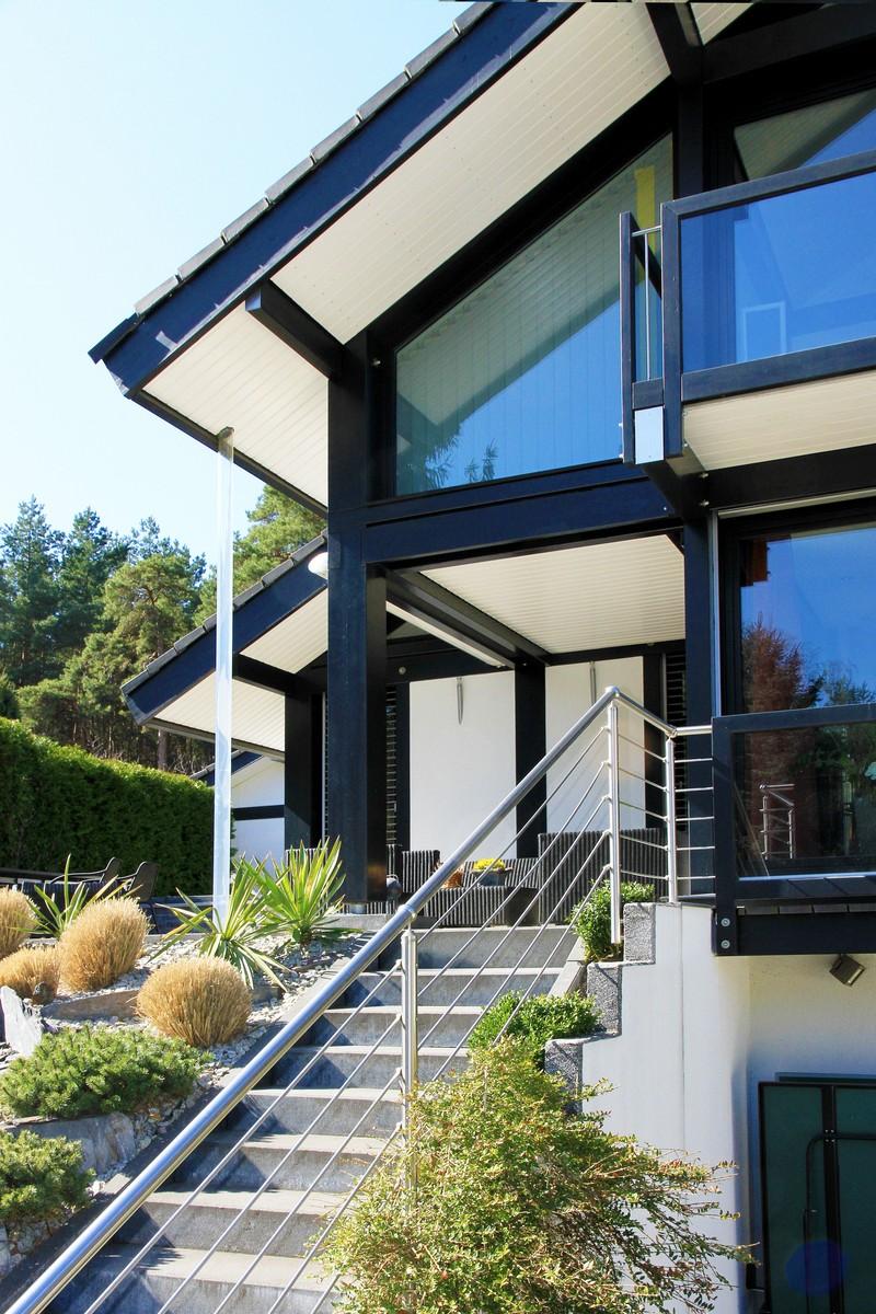 fachwerkhaus dunkle konstruktion holz skelett haus landhaus 4 concentus moderne fachwerkh user. Black Bedroom Furniture Sets. Home Design Ideas