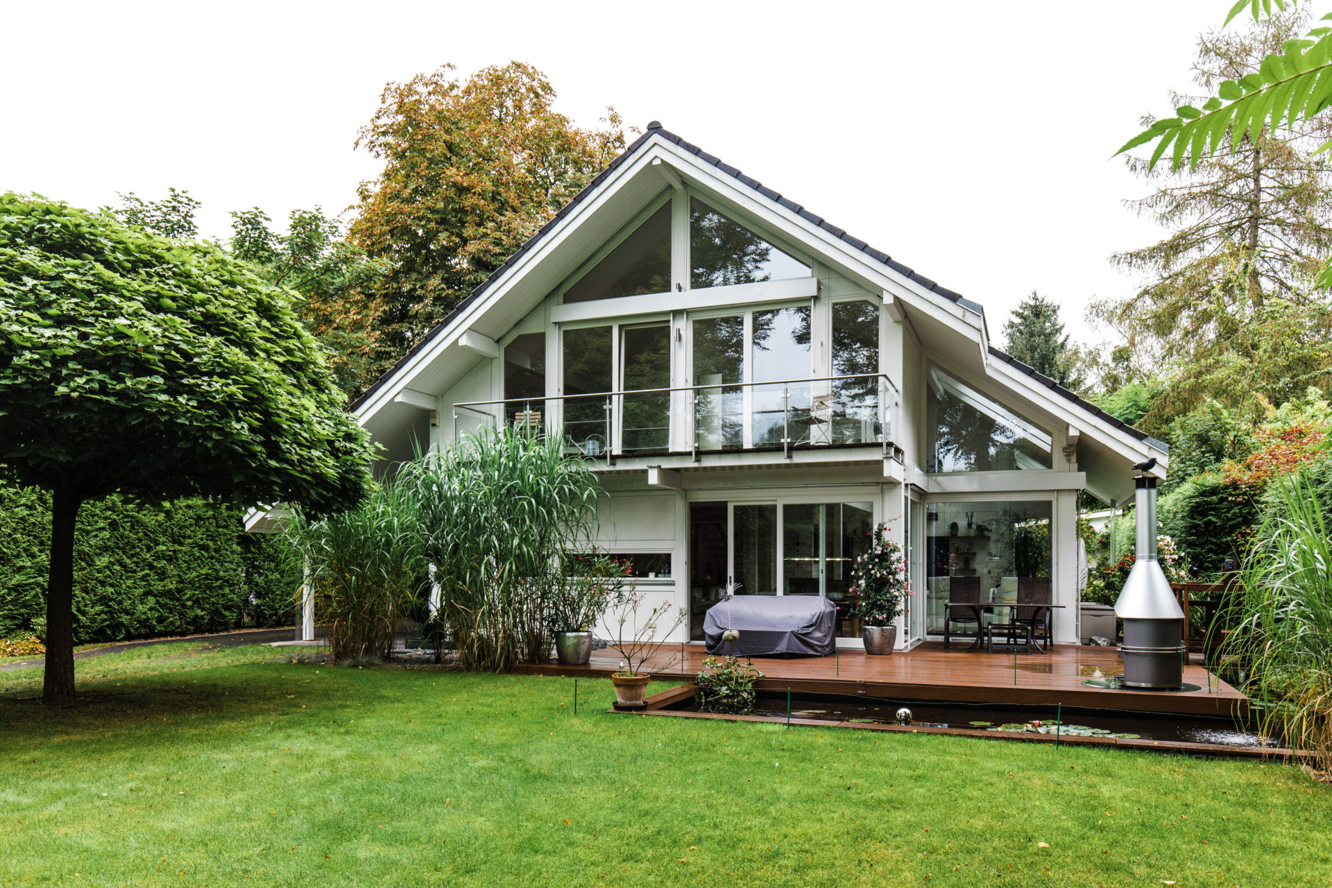 Fachwerkhaus grundriss concentus modernes for Modernes haus schweiz