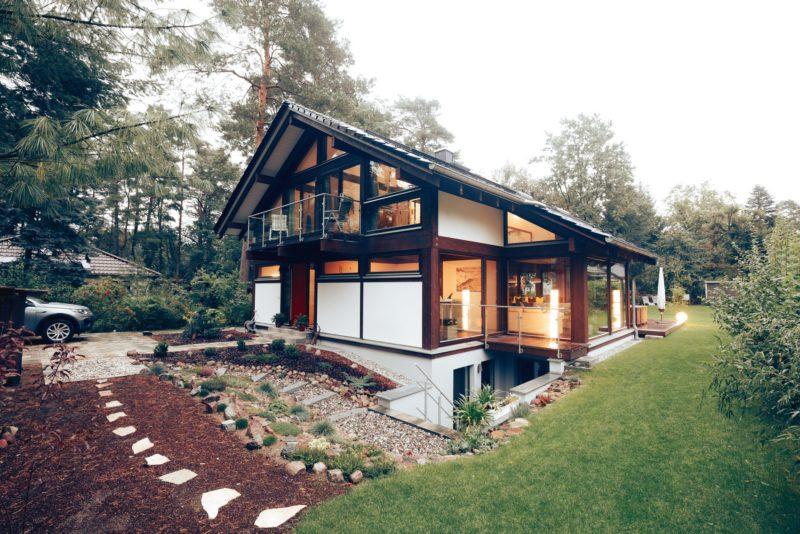 Modernes Fachwerk Haus Landhaus Braune Konstruktion Holzstaenderhaus Holzskelett 11