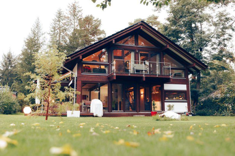 Modernes Fachwerk Haus Landhaus Braune Konstruktion Holzstaenderhaus Holzskelett 19