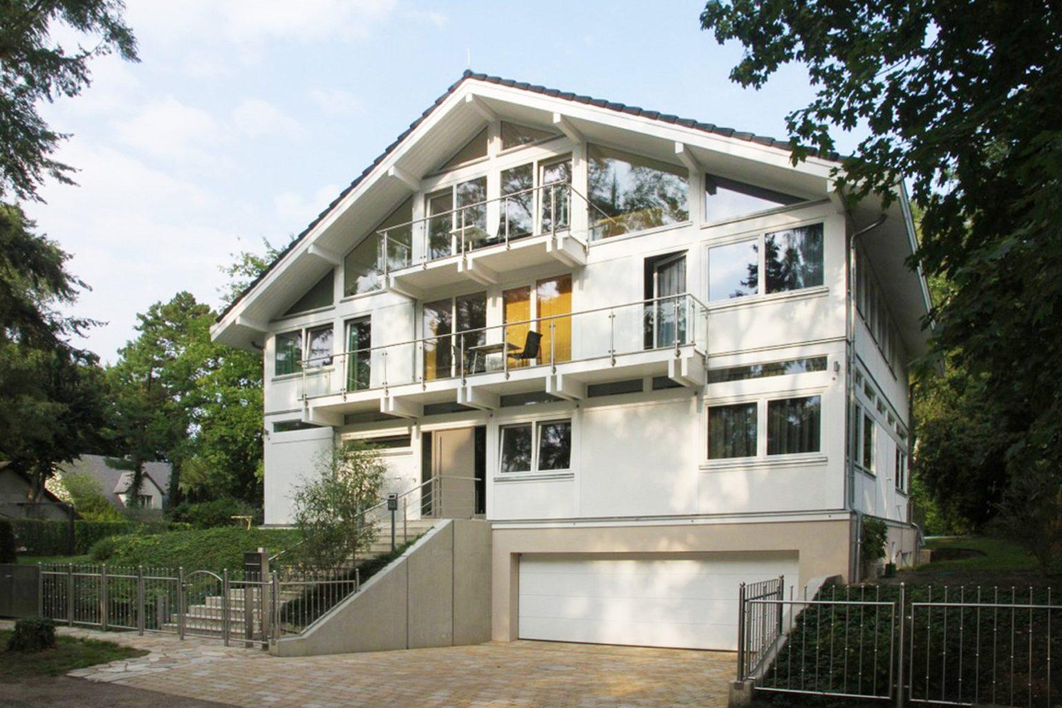 Modernes Fachwerkhaus Architektenhaus Hell Holz Skelett Konstruktion 14