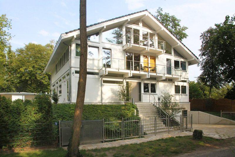 Modernes Fachwerkhaus Architektenhaus Hell Holz Skelett Konstruktion 15