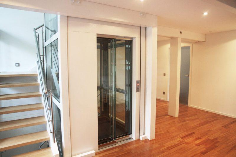 Modernes Fachwerkhaus Architektenhaus Hell Holz Skelett Konstruktion 4