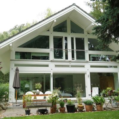 modernes-fachwerkhaus-deutschland-bauen-fachwerk-modern