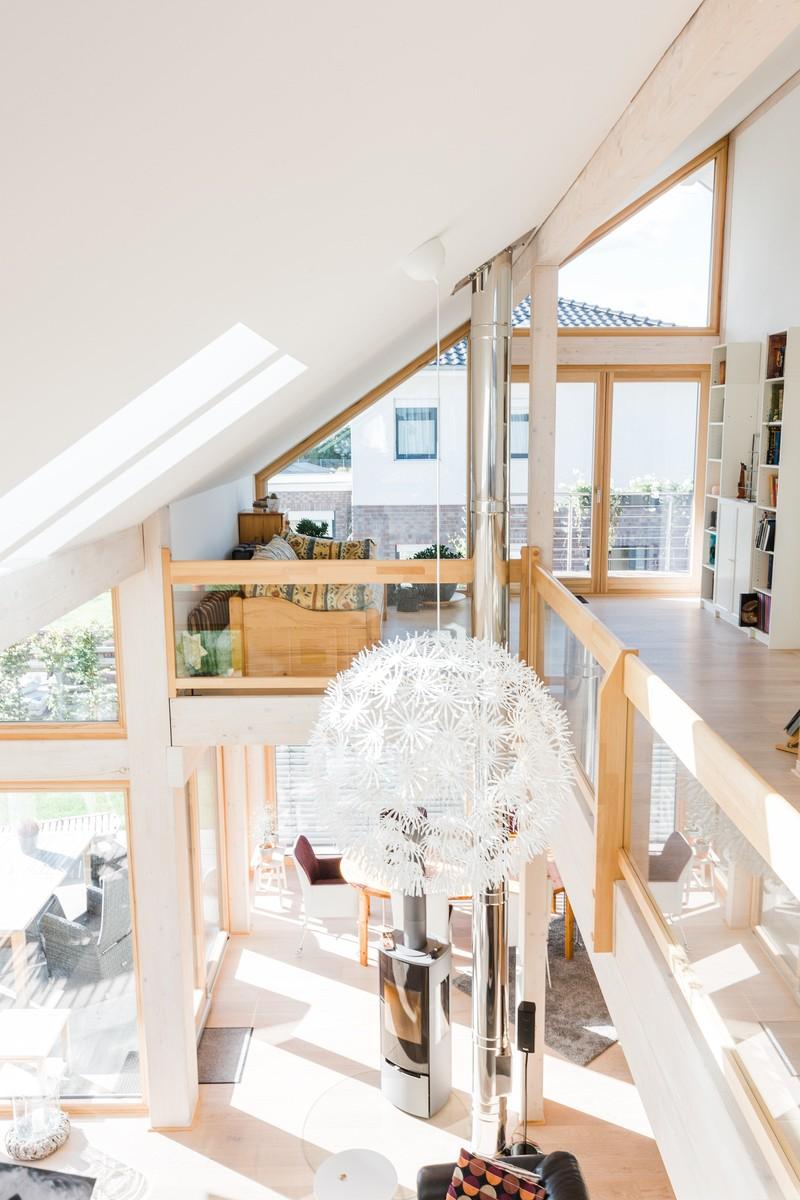 Modernes fachwerkhaus hell fachwerk holz glas concentus 13 for Fachwerk holz