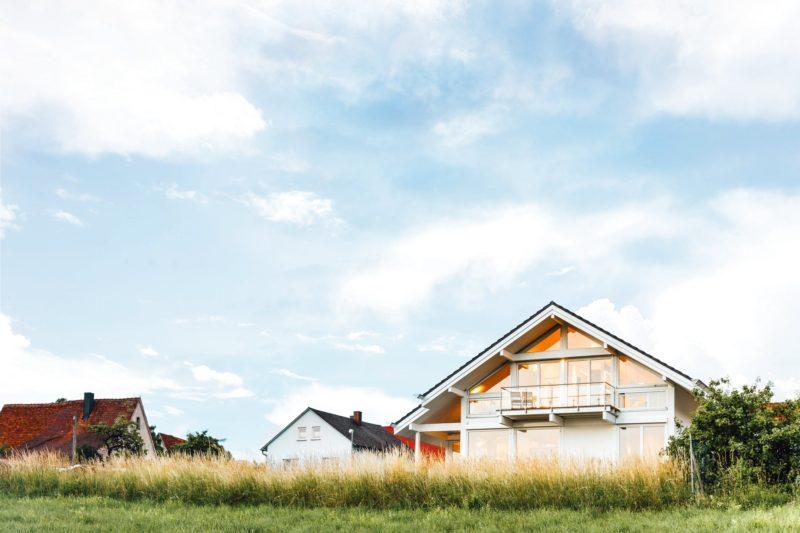 Modernes Fachwerkhaus Holzskelettbau Weiss Hausbau Holzhaus Landhaus 1