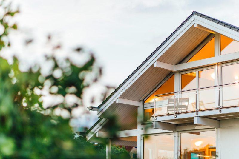 Modernes Fachwerkhaus Holzskelettbau Weiss Hausbau Holzhaus Landhaus 2