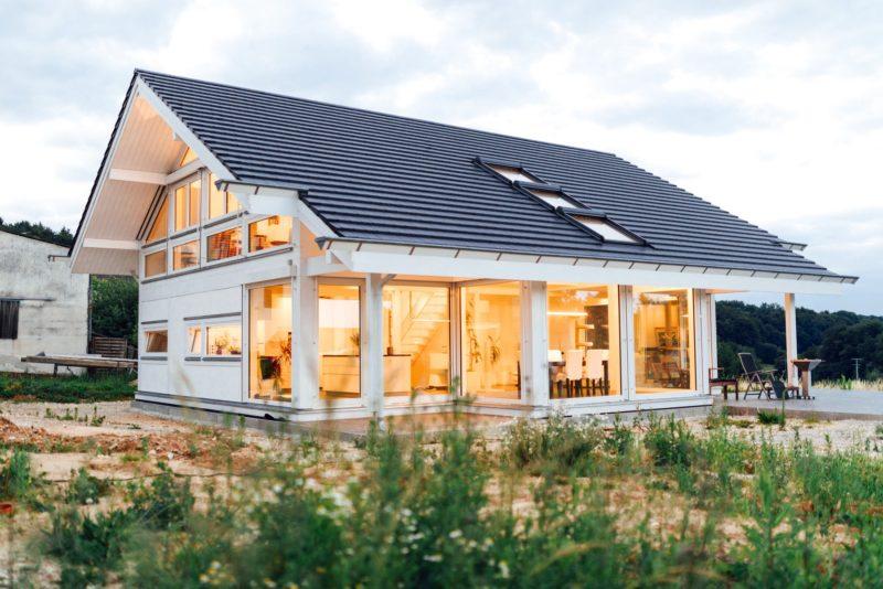 Modernes Fachwerkhaus Holzskelettbau Weiss Hausbau Holzhaus Landhaus 26