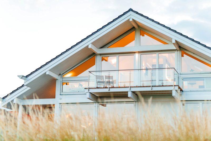 Modernes Fachwerkhaus Holzskelettbau Weiss Hausbau Holzhaus Landhaus 3