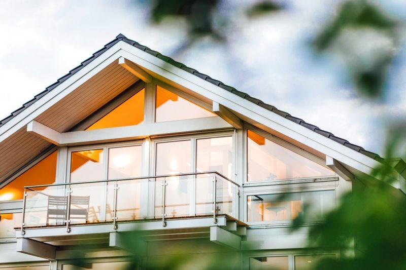 Modernes Fachwerkhaus Holzskelettbau Weiss Hausbau Holzhaus Landhaus 8
