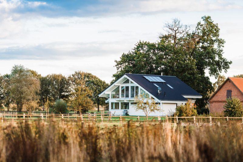Modernes Fachwerkhaus Landhaus Fachwerk Holz Glas Weiss 1